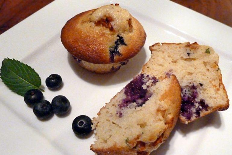 Dinkel-Blaubeer-Muffins mit Minze